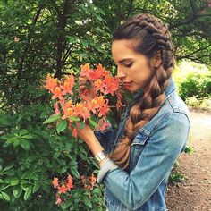 Notice the beauty around you today 🌞🍄🐝 Stop and smell the flowers 🌺 And if you can't find flowers, smell some essential oils 😜 Bohemian Hairstyles, Casual Hairstyles, Pretty Hairstyles, Braided Hairstyles, Harley Davidson, Beautiful Long Hair, Beautiful Braids, Super Long Hair, Silky Hair