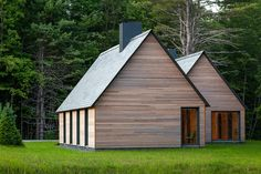 Articles about tiny cabins vermont woods commune nature. Dwell is a platform for anyone to write about design and architecture. Contemporary Cottage, Modern Cottage, Modern Farmhouse, Contemporary Classic, French Cottage, Modern Country, Style At Home, Cottage Design, House Design