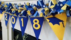 Celebrate your students achievement with a 2018 Graduation Garland Banner. CUSTOM ORDER ANY SCHOOL COLORS. Simply ORDER the garland and include a NOTE ON THE ORDER listing the colors and year or word youd like. Your GRADUATION Garland will be uniquely crafted using various solid
