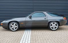 My most favorite car ever.....Porsche 928 S4