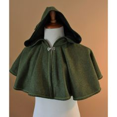 Green Wool Elven Archer Cape Capelet Tudor Medieval Forest Renaissance... (415 NOK) ❤ liked on Polyvore featuring wool capelet
