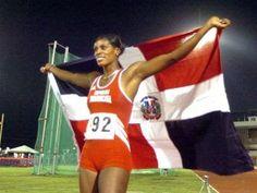 Juana Arrendel: atleta de campo y pista ganadora de tres medallas de oro.