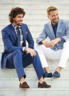 I would love to undergo full makeup to become the hot bearded curly haired guy on the left and also dress like him. Best Poses For Men, Good Poses, Stylish Men, Stylish Outfits, Men's Tuxedo Styles, Suit Fashion, Mens Fashion, Italian Outfits, Complete Outfits