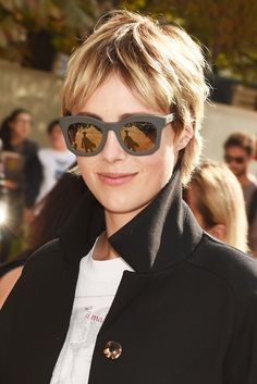 Edie Campbell Short Hairstyle