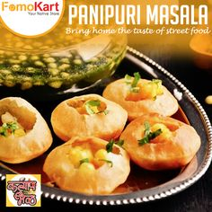Pani Puri/Phuchka/phulki/Golgappa popular street food chaat across India. Pani Puri filling made by lightly mashing potatoes with black salt, salt, spices. Indian Snacks, Indian Food Recipes, Tamarind Chutney, Chaat Masala, Indian Street Food, Spice Blends, Cooker, Spicy, Dishes