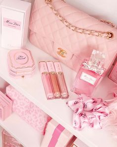 April 04 2020 at Baby Pink Aesthetic, Peach Aesthetic, Cute Pink, Pretty In Pink, Image Girly, Sacs Louis Vuiton, Mode Rose, Accessoires Iphone, Pink Wallpaper Iphone