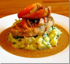 Pork Loins with a Mustard and Apple Sauce on Bubble and Squeak Mash- 2 syns per serving Slimming World Recipes Uk, Slimming World Dinners, Slimming Eats, Slimming Word, Uk Recipes, Irish Recipes, Cooking Recipes, Recipies, Pork And Apple Recipe