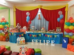 Motivo circo Carnival Themed Party, Carnival Birthday Parties, Party Themes, Party Ideas, Baby Shower, Beauty And The Beast, Birthday Cake, Carp, Clown Cake