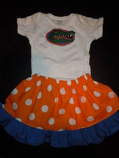 I need to make skirts for my little Gator Girls for them to wear with their brothers' onesies! So stinkin' cute. Florida Gators Baby, Florida Girl, Baby Girl Dresses, Girl Outfits, Cute Kids, Cute Babies, Cutest Picture Ever, Baby Fashionista, Baby Love