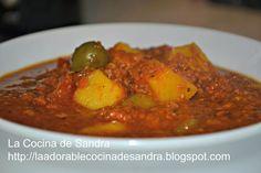 El Corned Beef fue por mucho tiempo la reina de las cocinas puertorriqueñas, se considera un plato típico puertorriqueño que jamás fue elab...