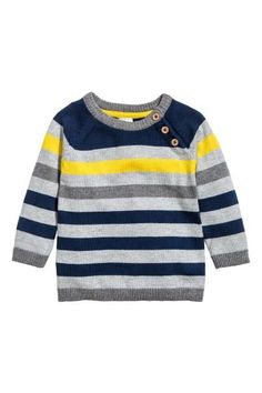 Fine-knit jumper: Jumper in a soft, fine knit with ribbing in a contrasting colour around the neckline, cuffs and hem and diagonal buttoning at the top. Knit Baby Sweaters, Boys Sweaters, Knitting For Kids, Baby Knitting, Baby Vest, Baby Boy, Cardigan Bebe, Baby Overall, Denim Joggers