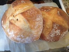 A step by step guide to making super yummy, super delicious artisan sourdough bread.