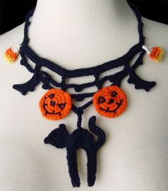 Crochet Halloween necklace by meekssandygirl.deviantart.com