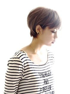 G* Japanese - short hair. Like the color.
