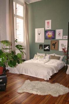 Großes, gemütliches Schlafzimmer in Berliner Wohnung #Berlin #Schlafzimmer #gemeinsamwohnen