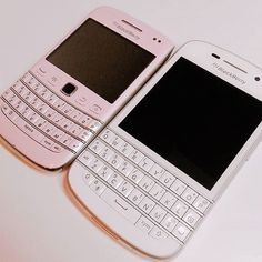 Mobile phone Advertising Design - - - Mobile phone Repair Home - Old Mobile phone Drawing T Mobile Phones, Mobile Phone Repair, Bling Phone Cases, Iphone Cases, Wet Iphone, Blackberry Phones, Flip Phones, Phone Photography, Phone Covers