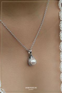 kette, necklace, perlen, perls, schmuck, jewellery, silber, silver, sparkle, elegant Pearl Necklace, Pearls, Elegant, Silver, Jewelry, Necklaces, Pearl Jewelry, Chain, Dapper Gentleman