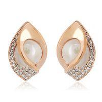 2014 Luxury Elegant Full Crystal Shell Pearls Earrings for women.$6.99