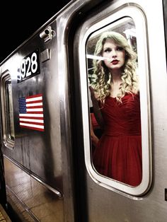 she is way too beautiful to ride a train!i hope its a privet train at least! Taylor Swift Music, Taylor Swift Hot, Live Taylor, Swift 3, Taylor Swift Style, The 1989 World Tour, Taylors, In This World, At Least