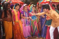 Diya Aur Baati Hum Star Cast - Working Stills