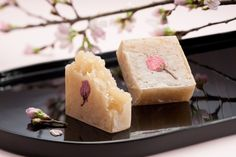 Kintsuba is a japanese style confection. This is special Kintsuba made with white azuki bean, agar, sugar, salt and a petal of Sakura.