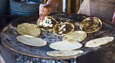 Kuchnia meksykańska zadziwia. Bo prawdziwe burrito to  www.polskieradio.pl YOU TUBE www.youtube.com/user/polskieradiopl FACEBOOK www.facebook.com/polskieradiopl?ref=hl INSTAGRAM www.instagram.com/polskieradio
