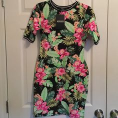 Floral Dress Brand new! Never worn! Missguided Dresses Midi