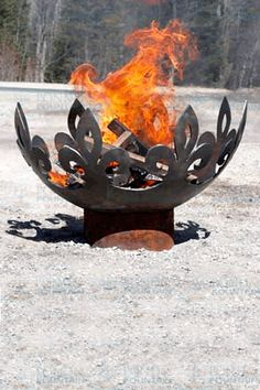 The Fiery Fleur-de-Lis 37 inch diameter Sculptural Firebowl - Feuerstelle im Garten Outdoor Fire, Outdoor Decor, Outdoor Living, Diy Fire Pit, Fire Pits, Deco Nature, Fire Bowls, Light My Fire, Outdoor Settings