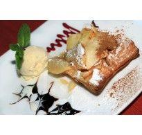 Tarta cu mere coapte si inghetata de vanilie