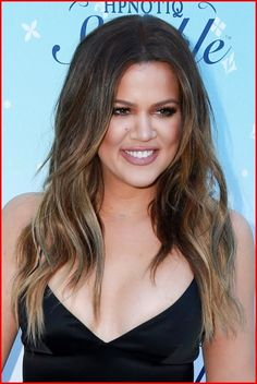 "The famous television series 'Keeping Up' lead artist and super stylish model, entrepreneur 'Khloe Kardashian' – is popularRead More ""Khloe Kardashian Hairstyles"" Khloe Kardashian Hair Ombre, Kardashian Mom, Khloe Hair, Cut Her Hair, Hair Color And Cut, Hair Cuts, Sleek Hairstyles, Celebrity Hairstyles, Kardashian Hairstyles"