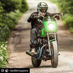 #Repost @hard9choppers  shooting for  @monsterenergy @dirtshark  @eriktomasak @apdesignsusa @sevenmx_ @redthunder_exhaust @ride100percent @hardcaseperformance @saddlemen @beringerbrakes @rogerlarsen #riding #motorcycle #teamds #monsterenergy #drift #motogp #speed #fxr #harleydavidson #69 #wensdaynight