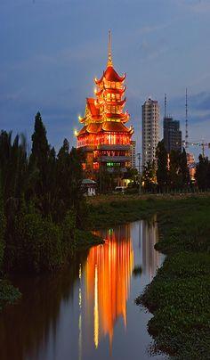 vietnam , capital saigon ( ho chi minh city ) , south vietnam , palace quanchin