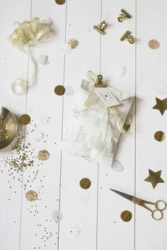 Merry and Bright gift wrapping