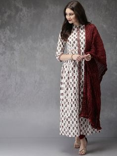 Buy Anouk Women White & Maroon Printed Kurta with Churidar & Dupatta online in India at best price.hite and maroon printed kurta with churidar and dupatta White and maroon A-line floor length kurta, has Salwar Suits Pakistani, Indian Kurta, Indian Ethnic Wear, Indian Fashion Trends, Ethnic Fashion, Salwar Suits Simple, White Kurta, Salwar Suits Party Wear, Middle Eastern Fashion