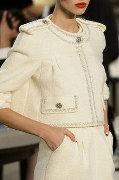 Details at Chanel Couture Fall 2015