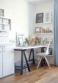 Best Two Person Desk Design Ideas for Your Home Office Workspace Cozy Home Office, Home Office Setup, Home Office Space, Office Workspace, Home Office Desks, Home Office Furniture, Bureau Design, Deco Studio, Study Room Decor