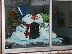Foto dateert van 14 December 2002 Christmas Classroom Door, Christmas Wood, Christmas Snowman, Christmas Crafts, Christmas Decorations, Christmas Ornaments, Painted Window Art, Window Paint, Christmas Shop Displays