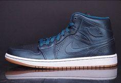 """Air Jordan 1 Mid Nouveau """"Space Blue"""" - SneakerNews.com"""