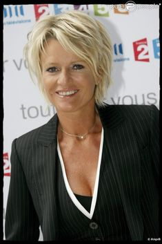 Bildergebnis für coupe de cheveux sophie davant 2014 - Andrea S. Funky Short Hair, Short Hair With Layers, Short Hair Cuts For Women, Layered Hair, Short Blonde, Short Shag Hairstyles, Cool Hairstyles, Short Haircuts, Sharon Stone Hairstyles