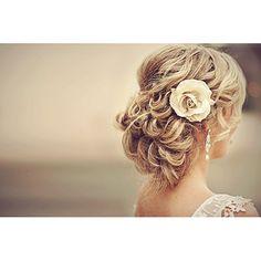 Wedding Hair: Τα πιο εύκολα και stylish χτενίσματα για καλοκαιρινούς γάμους