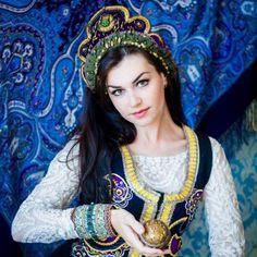 Lubov Mikhaleva beaded Russian style headpieces