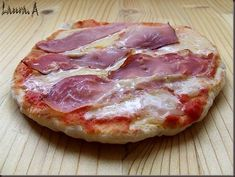 Invata sa prepari pizza in 8 minute! My Favorite Food, Favorite Recipes, Pizza Lasagna, Bread Recipes, Food To Make, Food And Drink, Meat, Cooking, Cabana