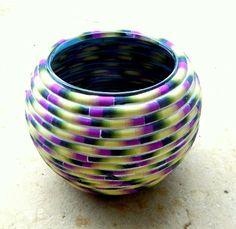 easy tutorial   http://naamazamir.blogspot.com/2012/04/birthday-tutorial.html