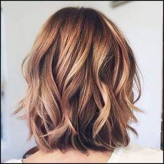 10 Heißesten Geschichteten Medium Frisuren // #Frisuren ...   Einfache Frisuren