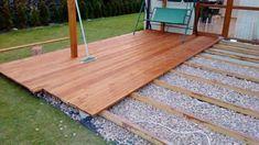 Construccion De Una Terraza De Madera En El Suelo Terrazas De Madera Construccion En Madera Madera