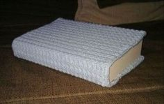 Free crochet book cover pattern.  Way cuter than a paper!:
