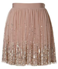 Love it. Seems I'm covered in outdoorsyness and animal hair everyday lately... sooo many cute clothes I already own that do not get enough attention...YET, I waaaaant this!