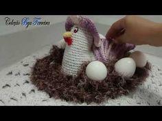 Vida com Arte | Galinha Porta Ovos em Crochê Endurecido por Carmen Freire - 08 de Outubro de 2014 - YouTube Crochet Dolls, Knit Crochet, Crochet Hats, Crochet Chicken, Crochet Videos, Projects To Try, Christmas Ornaments, Knitting, Crafts