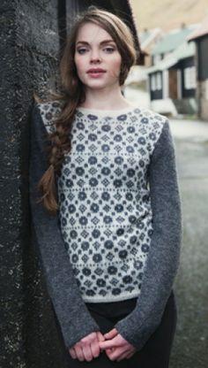 Sweater med nordiske mønstre i Navia Uno