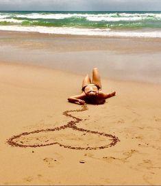 Tips to get a good picture 📷 - Strandposen - Beach Beach Photography Poses, Beach Poses, Creative Photography, Photography 2017, Learn Photography, Portrait Photography, Photography Quotation, Photography Tricks, Photography Studios